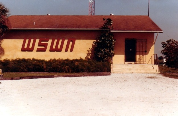 WSWN building in Belle Glade, early 80's.